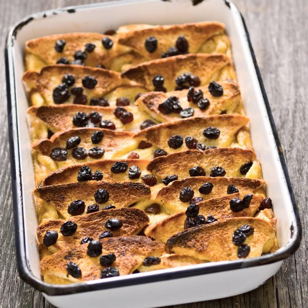 XBE2JT close up of rustic traditional british bread and butter pudding
